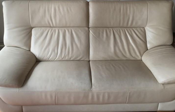 カリモク革張りソファー